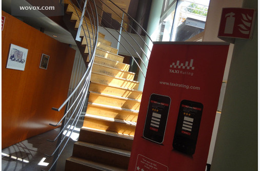 Foto 39 s van michel kobus discover workplaces for Trap naar boven